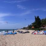 Das vietnamesische Dorf Mui Ne bietet hervorragende Bedingungen zum Kitesurfen. Bild: © Brigitte Bonder
