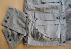 Über den seitlich angebrachten Reißverschluss ist die Rückentasche zugänglich