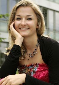 Tina Eder: Reisejournalistin und Gründerin des Österreichisch-Nepalesischen Volunteer-Unternehmens Karmalaya