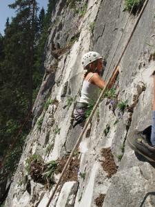 Im Montafon können Familien bei Klettersteigbegehungen die   Bergwelt des Montafon erkunden. Bildquelle: Gargellen Tourismus