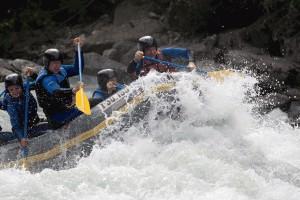 Rafting im Tiroler Oberland.  Foto: © H2O Sport & Adventure GmbH