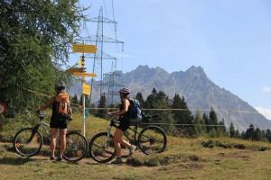 Das Tiroler  Oberland bietet eine ausgezeichnete Kulisse für Touren mit Mountainbike  und E-Bike.  Foto:  © Brigitte Bonder