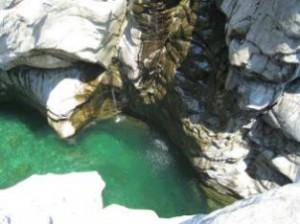 Wasserquelle der Maggia im Kanton Tessin