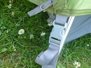 Clicksystem des Vaude Campo 3P zum Verbinden von Außenzelt mit Innenzelt